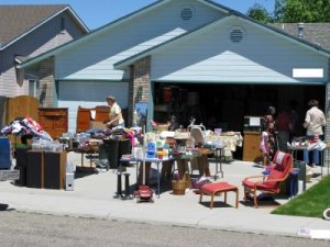 garage-sale-season